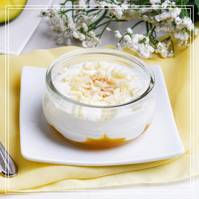 Semifreddo alla Vaniglia con Mango e Cioccolato Bianco
